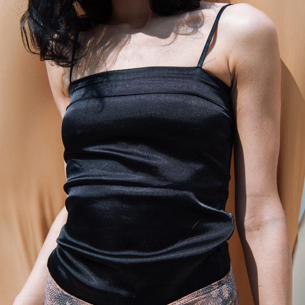 90s black top